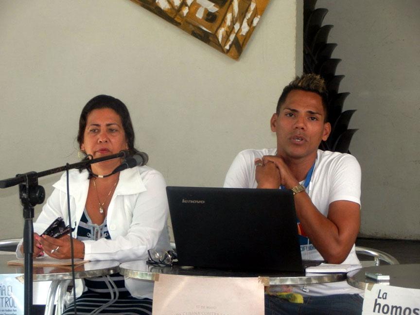 Desarrollan jornada contra la homofobia y transfobia