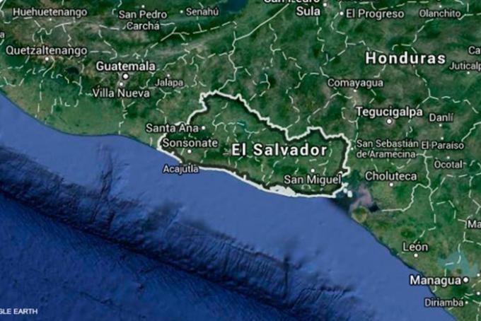 Fuertes sismos desmodorran a salvadoreños