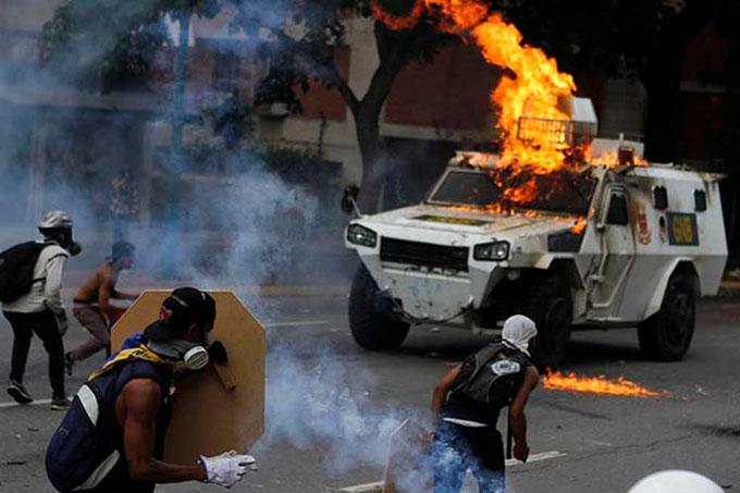 Violencia provoca 35 muertos y 717 heridos en Venezuela en un mes