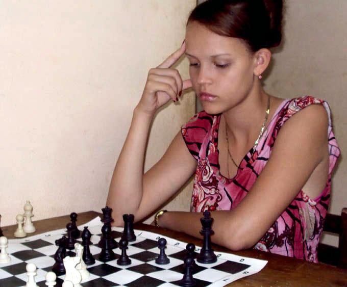 Yeni Soler Guerra: la Dama del ajedrez granmense