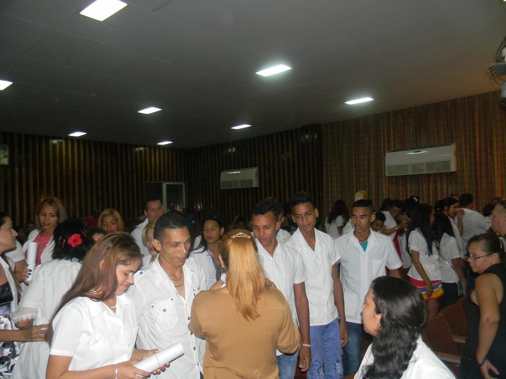 Dedican a Fidel y al Che graduación de tecnólogos de la salud (+ fotos)