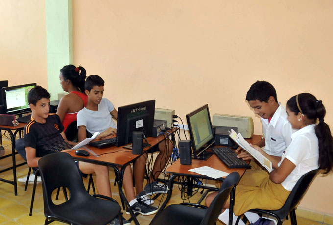 Destacan avances de informatización de la educación en Cuba