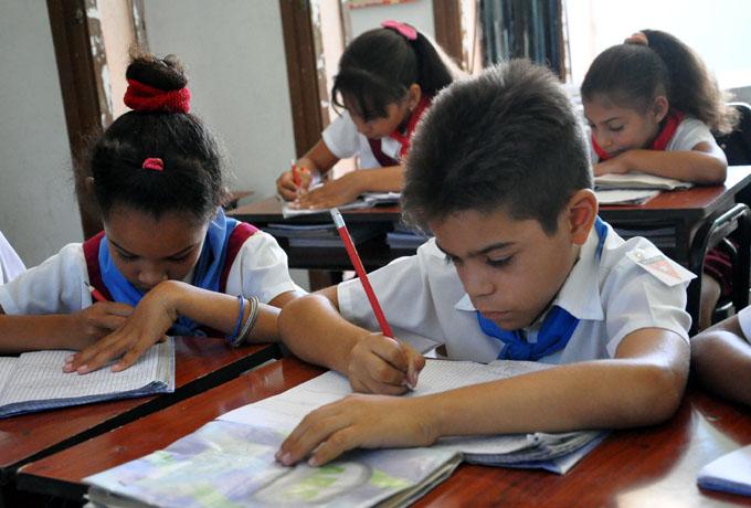 Salud y Educación abarcan más del 70 % del presupuesto de Granma