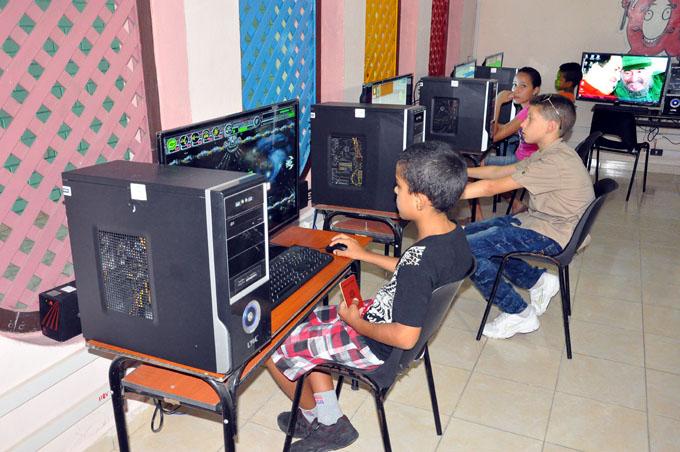 Ludoteca tecnológica de Bayamo con gran aceptación del público