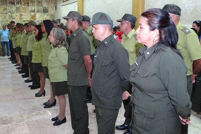Felicita presidente cubano a trabajadores del Minint por aniversario