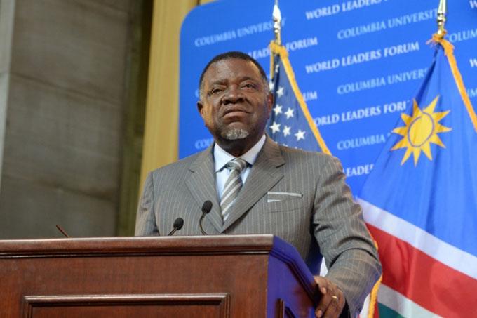 Presidente de Namibia rinde homenaje a Fidel Castro