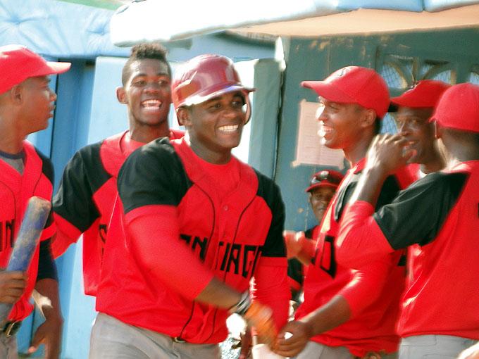 Santiago de Cuba defiende corona nacional del béisbol sub 23