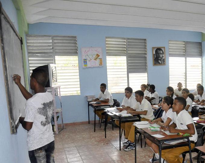 Garantizada en Granma la continuidad de estudios a estudiantes de noveno grado