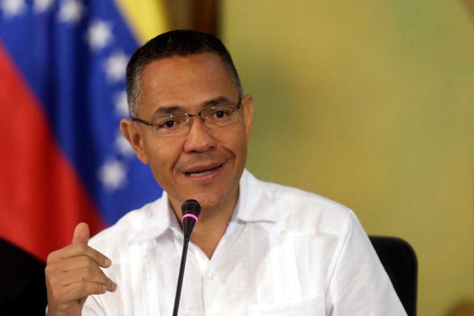 Advierten peligro de brote fascista en Venezuela