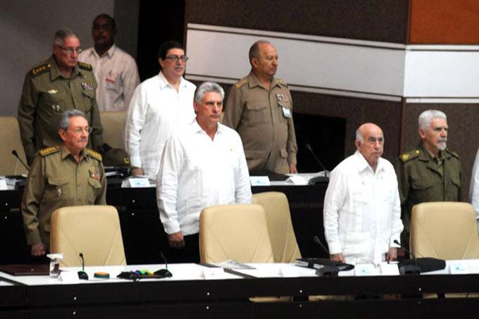 Preside Raúl Castro sesión plenaria del Parlamento cubano