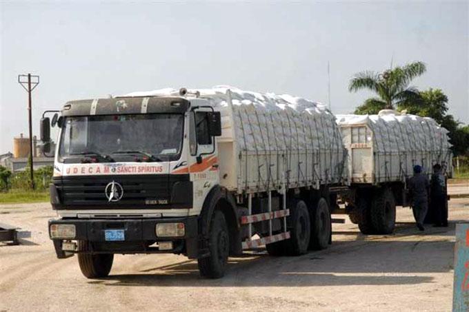 Califican transportación de carga como fundamental en economía cubana