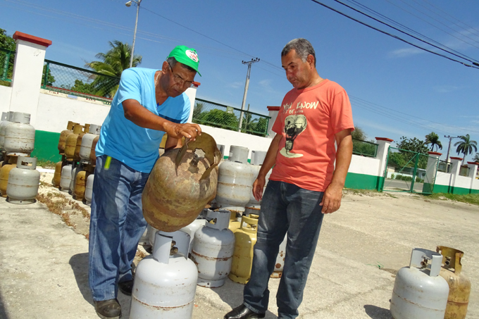 Comenzó venta liberada de gas licuado en Bayamo (+ fotos, audio y video)