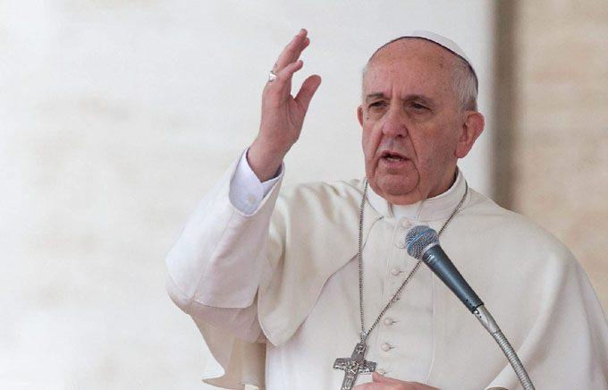 El papa denuncia la tendencia a una educación elitista
