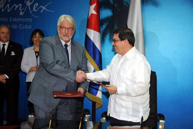 Afianzan Cuba y Polonia vínculos de amistad y cooperación