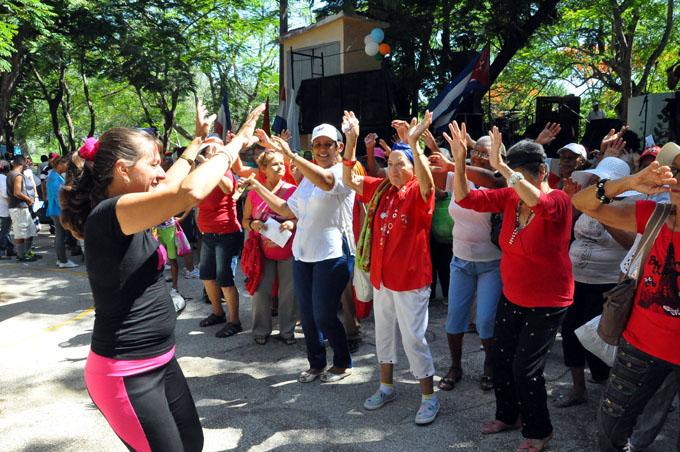 Carnaval del adulto mayor abrió el verano en Granma (+ fotos y video)