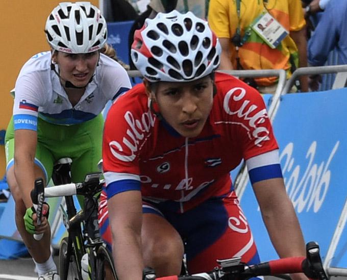 Ciclista granmense Arlenis Sierra pierde liderazgo vuelta a Costa Rica