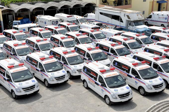 Bolivia prepara red de emergencia con ambulancias y avionetas