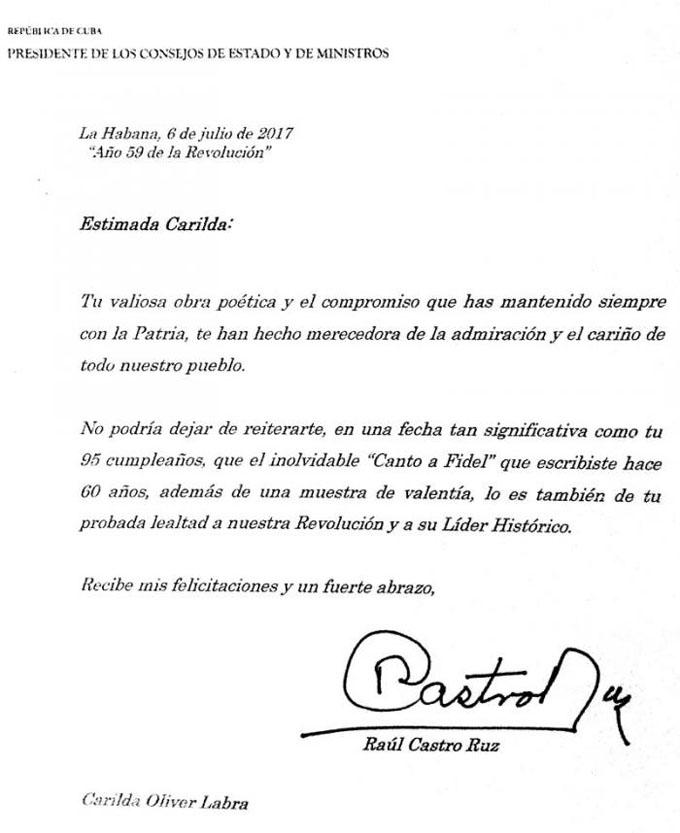 Felicita Raúl a Carilda Oliver por su cumpleaños 95