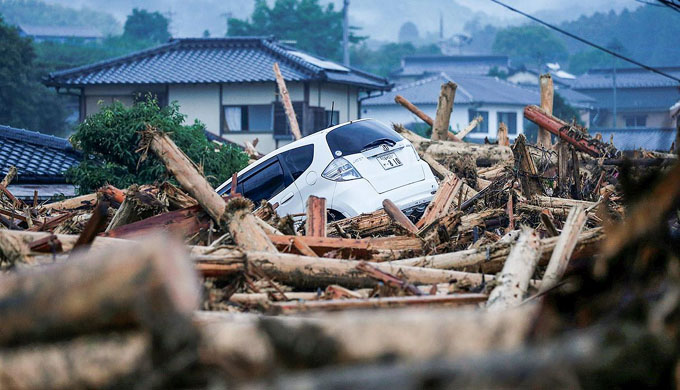 Más de 20 muertos por lluvias torrenciales sin precedentes en Japón (+ fotos)