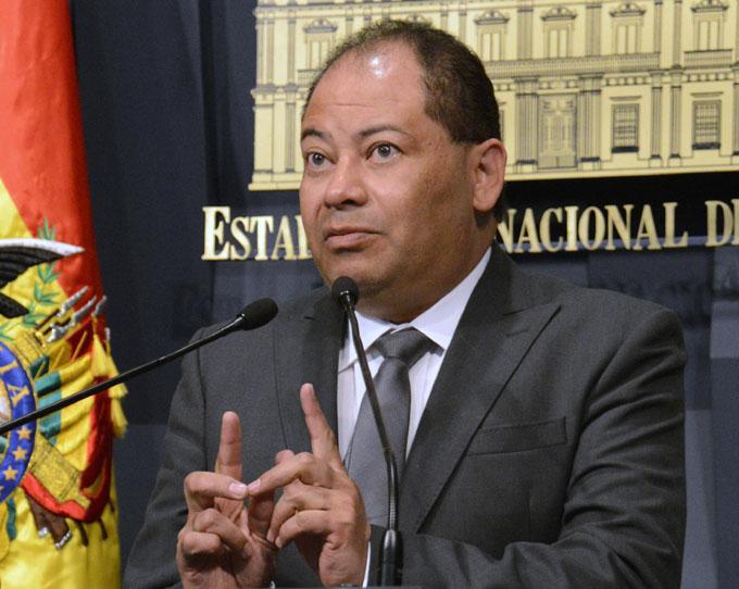 Bolivia fortalecerá lucha contra el contrabando en la frontera