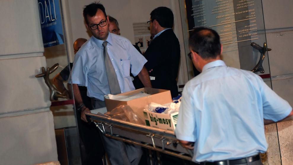 Consideran inadecuada en España exhumación del cuerpo de Dalí