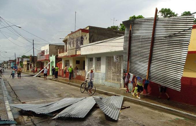 Tormenta local severa afecta a Bayamo