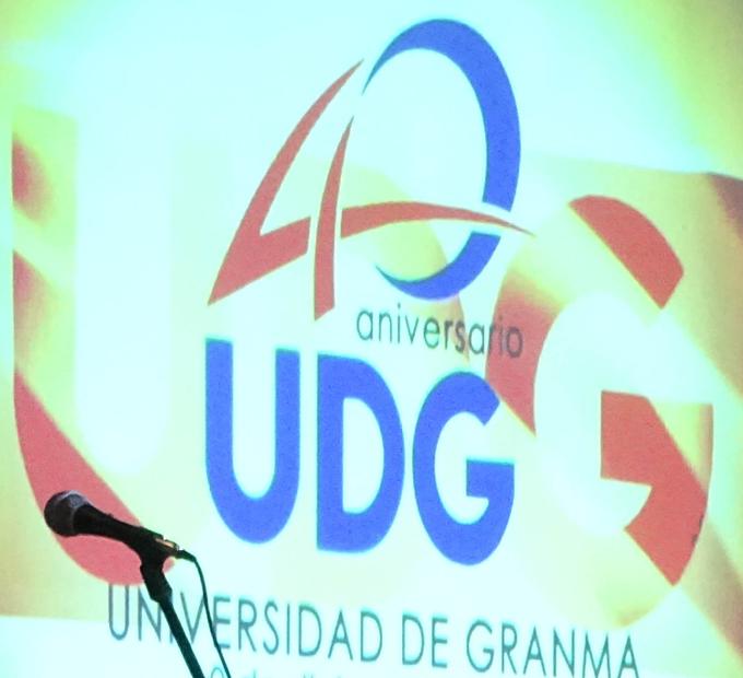Gradúa Universidad de Granma con Título de Oro a 68 estudiantes