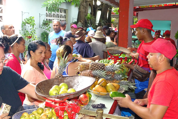 Feria especial para el disfrute de la familia en Bayamo, Granma