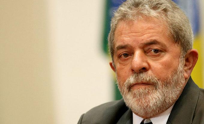 Juez brasileño condena a Lula a más de nueve años de cárcel