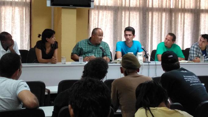 Intercambió vanguardia artística cubana con autoridades de la provincia