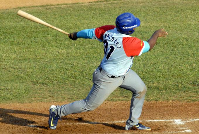 Béisbol cubano, tres quieren ser invencibles