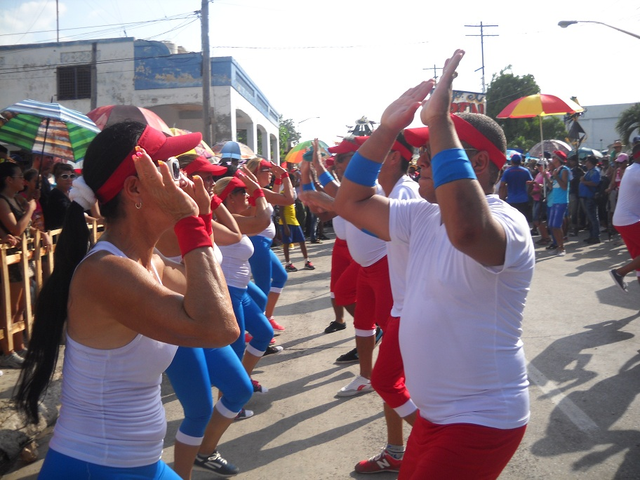 """Toque""  deportivo   al    carnaval   manzanillero (+ fotos y video)"