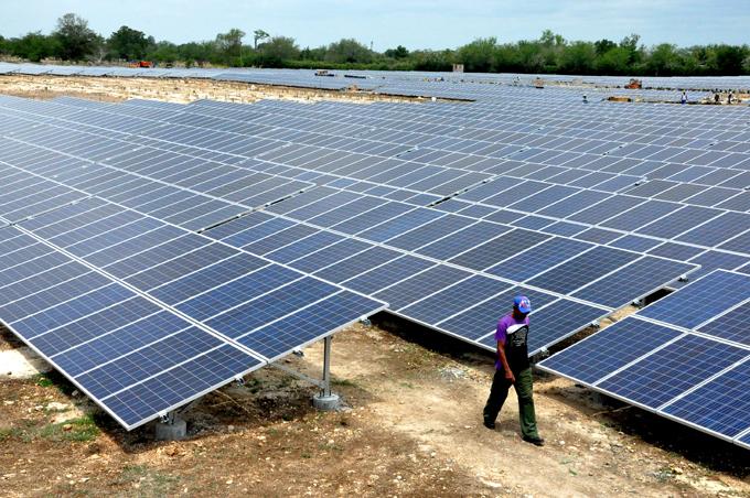 Expertos calculan despliegue de energías renovables para 2050