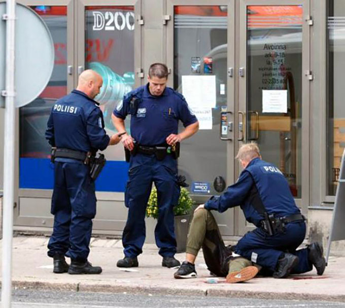Ataque con arma blanca en Finlandia deja dos muertos y varios heridos