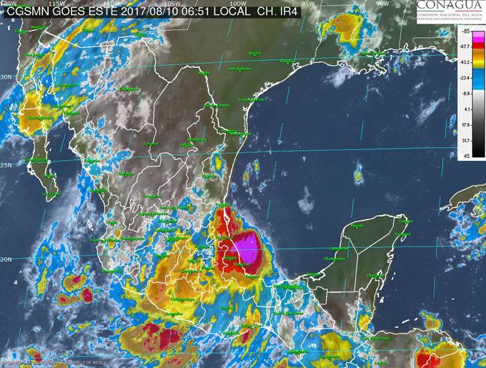 Franklin ya es huracán y va de nuevo contra territorio mexicano