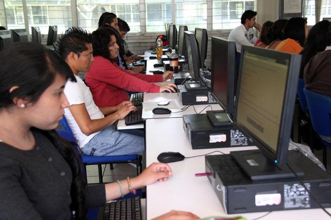 Jóvenes lideran uso de internet, corrobora estudio