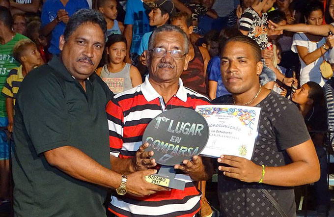 "Multipremiada ""La Estudiantil"" en paseos del carnaval Bayamo 2017 (+ fotos y video)"