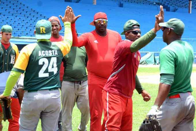 Pinar-Santiago, líder se pone a prueba en béisbol cubano