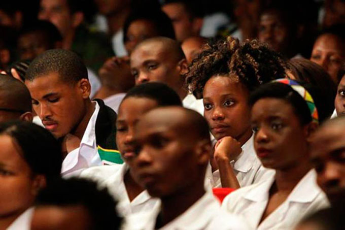 Destacan papel de estudiantes sudafricanos en Cuba para plan salud