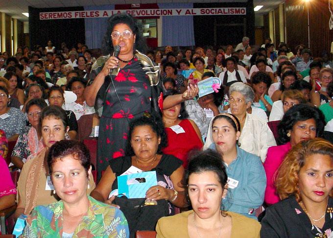 Federación de Mujeres Cubanas, aún fresca y vital