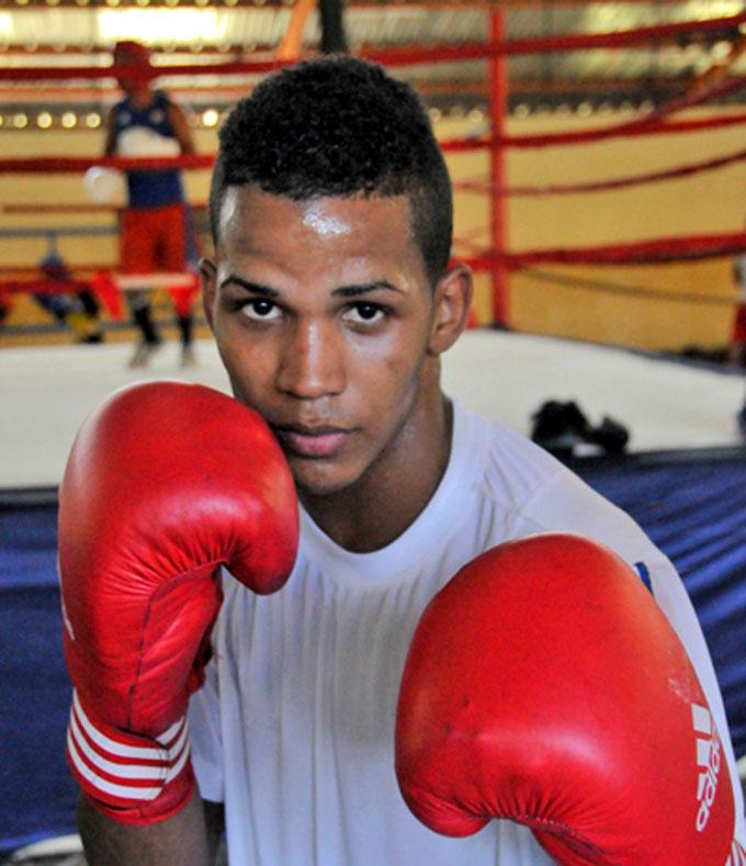 Javier Ibáñez abrirá por Cuba en Mundial de boxeo
