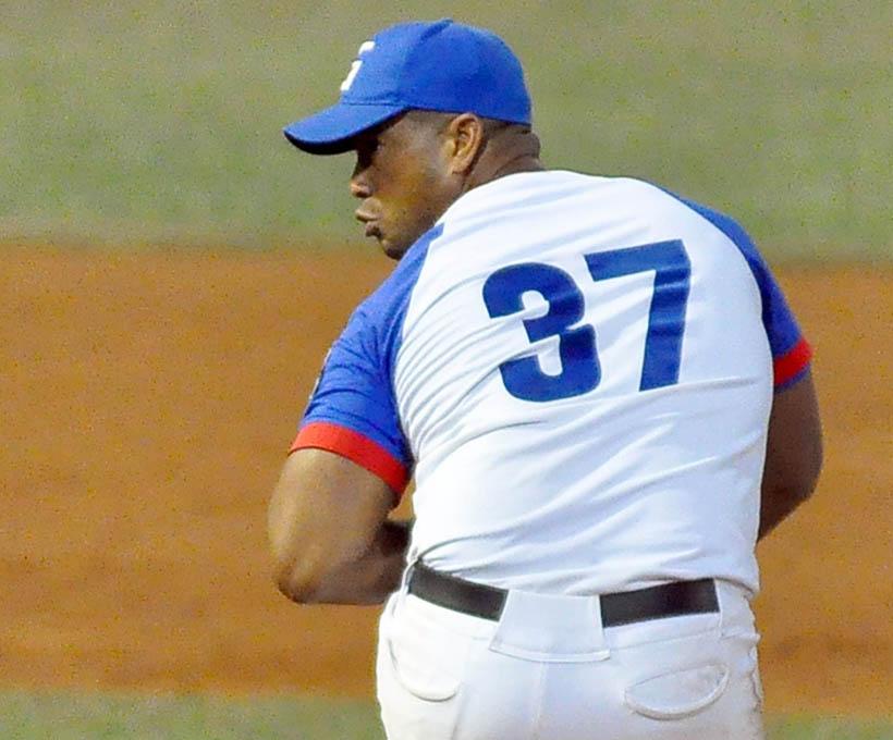 Granma rompe el invicto de los Leñadores en el béisbol cubano