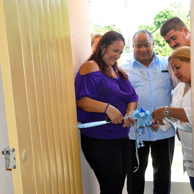 Inauguran Sala De Juego Virtual En Casa De Orientacion A La Mujer
