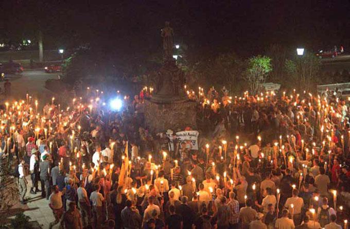 Marchan contra el supremacismo en varias ciudades de EE.UU.