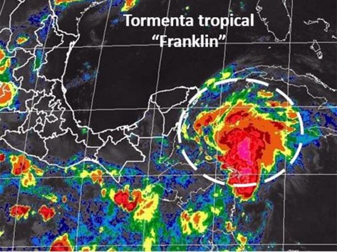 Tormenta tropical Franklin enfila hacia Península de Yucatán, México