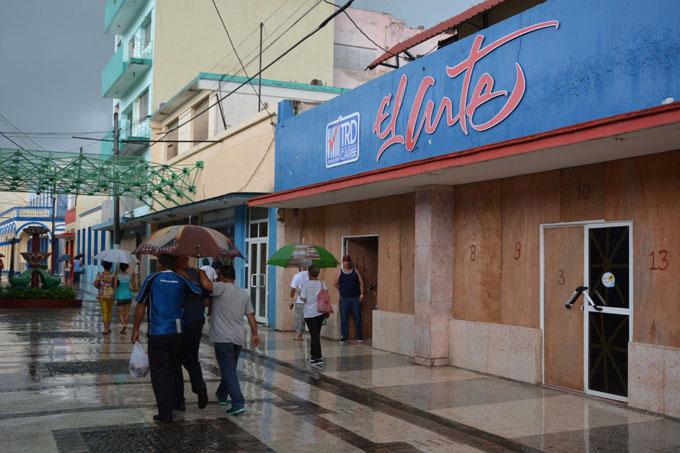 Granma sin daños significativos por Irma (+ fotos y videos)
