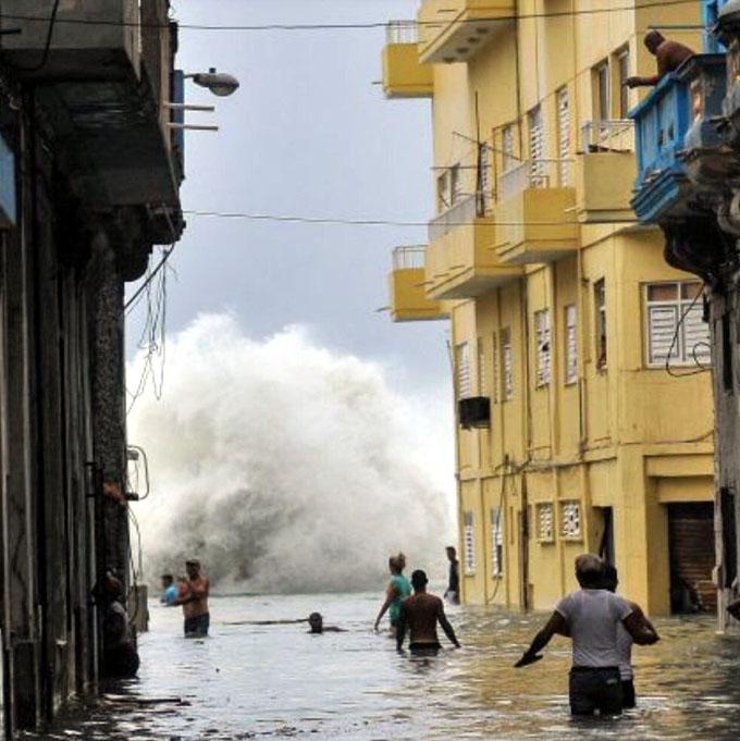 "Define Cuba facilidades crediticias para damnificados por ""Irma"""