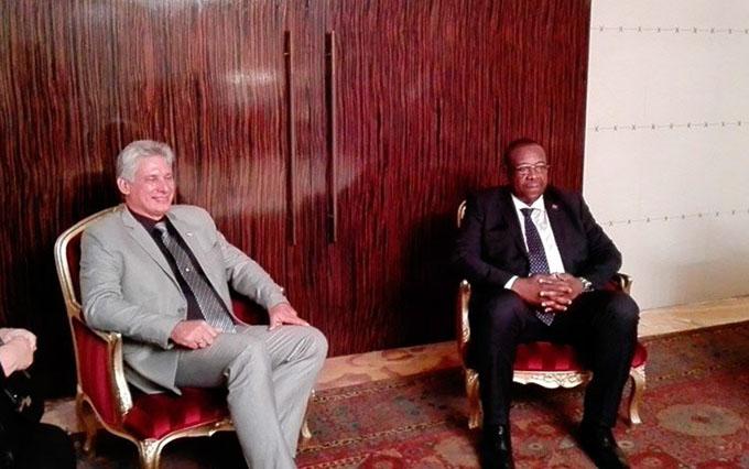 Presidente angoleño recibe a primer vicepresidente cubano