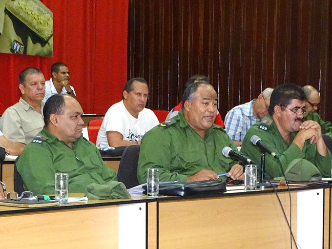 Respuesta al llamamiento de Raúl:  Trabajar duro y con cohesión