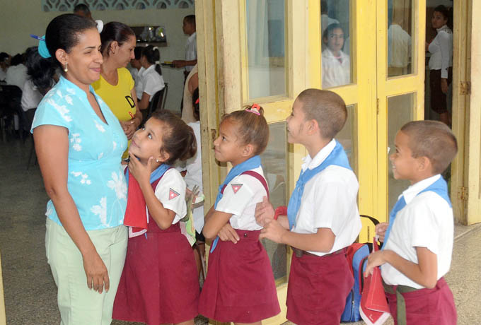 En medio del bloqueo, el derecho a la educación sigue garantizado